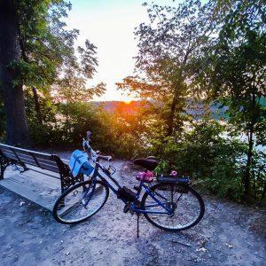 Niagara Parkway Biking Picnic